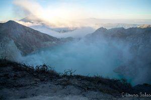 caldera de Ijen al amanecer