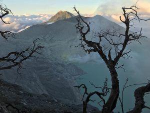 Caldera del volcan Ijen
