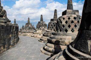 2º nivel del Borobudur