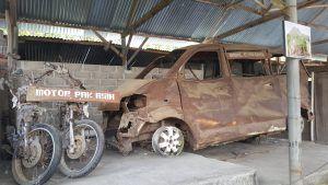 vehículo quemado